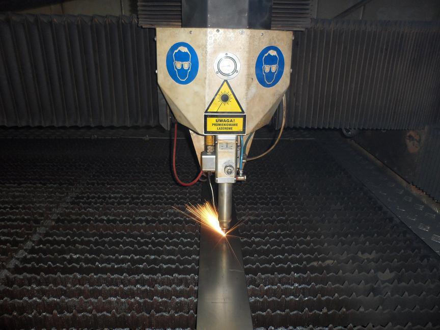 Skończyliśmy testy nowego lasera. Możemy ciąć nim rury, profile, oraz blachę.